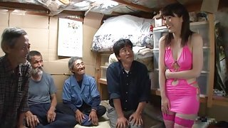 Nippon Cutie Pays A Visit To Homeless Guys