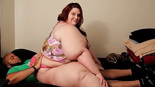 SSBBW Xutja - over 400 lbs of curves