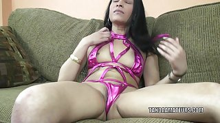 Exotic MILF Naomi Shah is playing with her sweet pussy